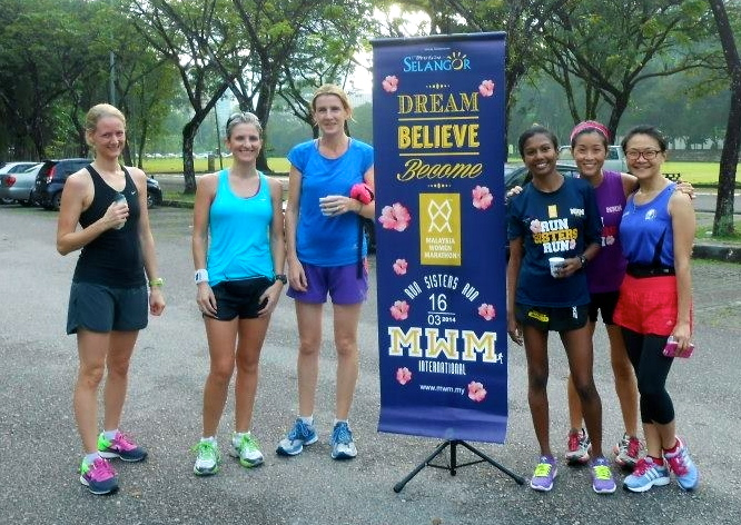 Sheela, Half Marathon mentor, champion runner and my personal hero yesterday, is third from the right.